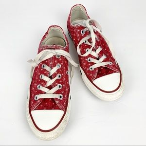 Converse Chuck Taylor Red Stars Low Top Sneaker